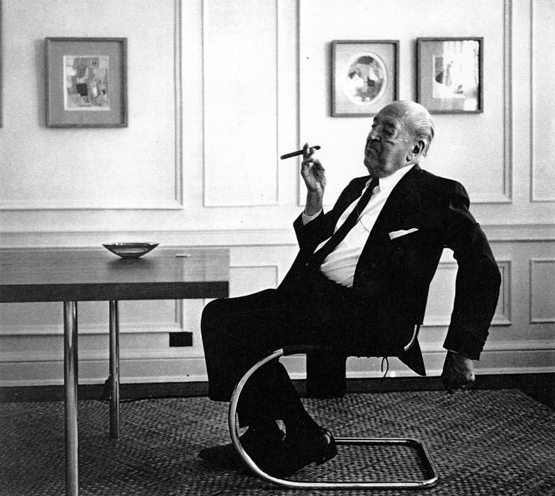 "Ludwig Mies van der Rohe with the ""S533"""