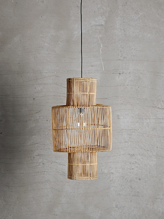 Hangbird: In the style of a bird´s cage - fits perfectly high ceilings and is beautiful above dinner tables. Comes without cable and plug.